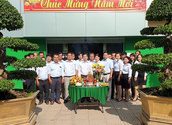 Công ty Việt - Úc cúng khai trương đầu năm 2021